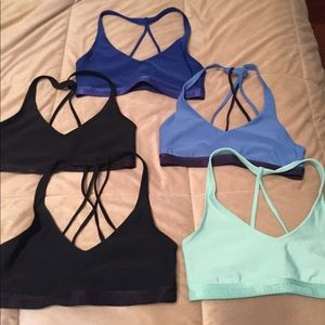 5 under armour sports bras. In very good condition